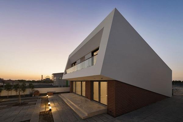 سقف ویلا در کیش